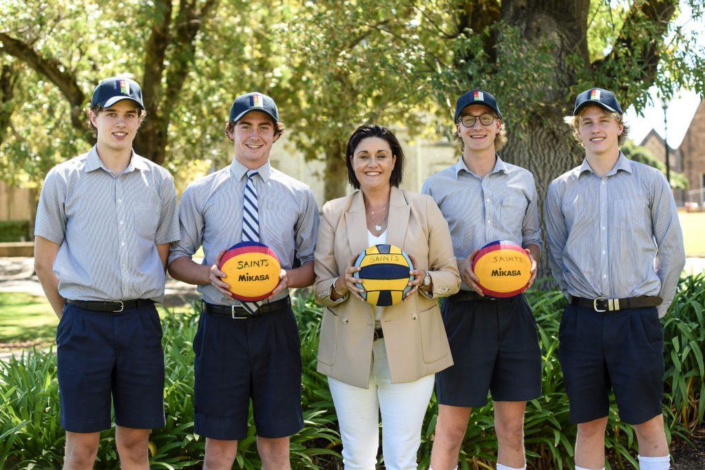 Ella Stratton with members of the Senior Waterpolo Squad